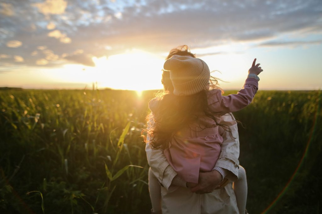 9 Tips for spending quality time with your child.  Life is busy and between work and life responsibilities, the days pass us by in the blink of an eye. Parents have a common concern that they are not able to spend enough time with their children.