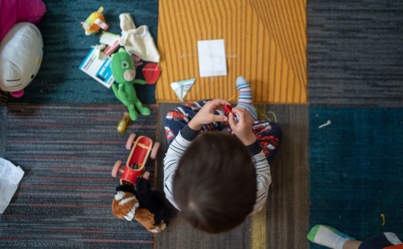 बच्चे अपने जीवन में खिलौने* क्यों पसंद करतेहैं?